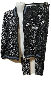 Nike  Womens Jr Jogger Outfit  Preowned