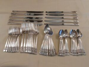 """ONEIDA COMMUNITY """"CORONATION"""" SILVER PLATED DINNER SET - SERVICE FOR 10"""