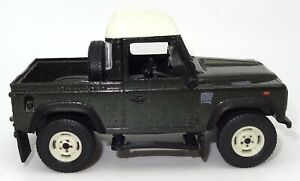 BRITAINS 1/32 SCALE LAND ROVER DEFENDER 90 - MINT