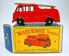 MATCHBOX RW 09c Merryweather Fire Engine ROSSO RUOTE NERO GREZZO PROFILO IN BOX