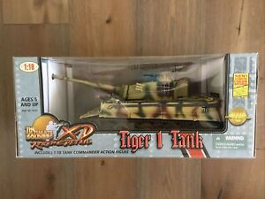 Ultimate Soldier 10131 German Camo Tiger I Heavy Tank & Tank Commander 1/18 New