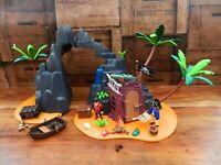 Playmobil 6679 Pirates Treasure Island Set