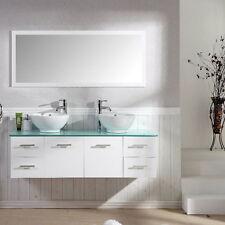 Markenlose Möbel aus Glas fürs Badezimmer