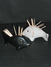 2 ANZENGRUBER-Zahnstocher-Fische (Schwarz und Weiß craquele)