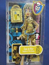 Monster High Fashion Pack Cleo de Nile 2011 #W9124 Gold Outfit New in Package