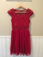 Juniors BAILEY BLUE Holiday Red Lace Sequin Prom Dress Sz Small EUC Gold Zipper