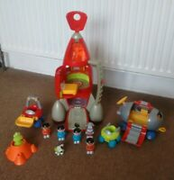 ELC HAPPYLAND SPACE ROCKET WITH VEHICLES, ALIEN, MOON AND FIGURES - SOUND&LIGHTS