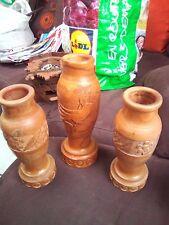 3 ANCIEN VASE EN BOIS SCULPTER
