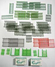 Vintage BRITAINS ~ England ~ Misc. Fence Pieces & Herald Farm Boxed Hurdles