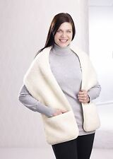 Schal mit Tasche aus Schurwolle