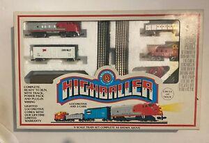 Bachmann Highballer N Scale Electric Train Set 50-4300 Santa Fe W/ Box