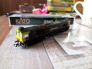 Kato CL77 Captrain Livery.