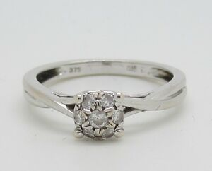 Fabulous 9ct White Gold 0.15ct Diamond Ring
