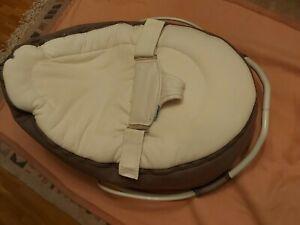 Doomoo Babysitzsack mit Wippe (abnehmbar) und zweitem Bezug