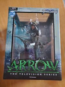 Green Arrow Diamond Select Gallery Statue CW DCTV