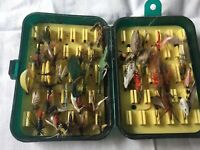 ANTIQUE VINTAGE FISHING LURES FLIES HAND MADE APPROX 23 SNOWBEE BOX MODEL
