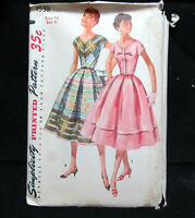 One Piece Dress V-Neck Full Skirt Size 14 Vintage Sewing Pattern Simplicity 1538