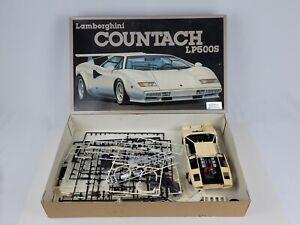 1984 Lamborghini Countach LP500S Fujimi Model 1/16 scale Started w/ loose parts