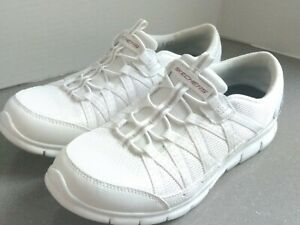 NEW WOMEN SKECHERS AIR COOLED MEMORY FOAM WHITE  SLIP ON SHOES without box