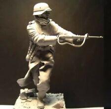 1/16 Resin Kit German Soldier Figure Unassembled, Unpainted (B)