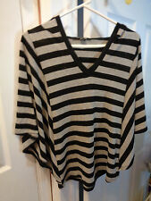 FOREVER 21 BLACK & GRAY STRIPED HOODED V NECK W/BATWING SLEEVES SWEATER SIZE S/P