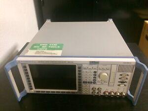 Rohde & Schwarz CMU 200 mit Option B11 TCXO und B41 Audio Generator/Analyzer