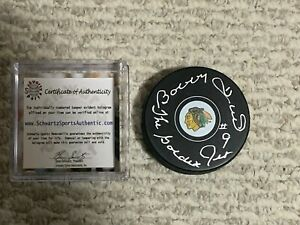 Bobby Hull Chicago Blackhawks Autographed Golden Jet NHL Puck Schwartz COA