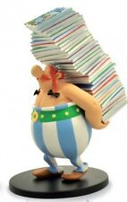 Asterix and Obelix figurine Obelix bearing a stack albums comics BD 01241