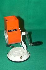 Râpe à gruyère orange JUPITER avec ventouse , deco vintage , retro , loft