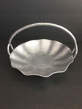 "Vintage Hand Forged Everlast Metal Pinecone Pattern 9"" Fruit Bowl with Handle"