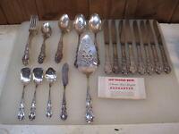 1847 Rogers Bros 38 pc  Heritage Silverware Flatware Set Vintage B2940