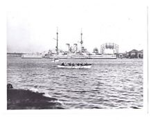 Imperial War Museum Photo NAVY SHIP ROW BOAT Sailor vintage military UK Flag 922