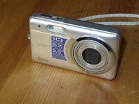 Sanyo VPC-E10EX - Digital Camara - Plateado