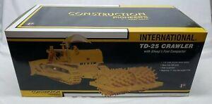 International IH TD-25 Crawler w/ Sheeps Foot By 1st First Gear 1/25 Scale