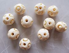 10 Natural Off White Bone Carved Round Beads ~ 13mm-14mm ~ Movable Inner Piece