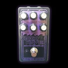IDIOTBOX EFFECTS - Dark Waves Echo Chorus Pedal For Guitar Or Bass