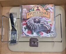 Pampered Chef Rectangle Stone W / Rack, spatula, cookbook nylon scrapper new