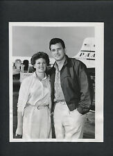 ROCK HUDSON + WIFE PHYLLIS GATES LEAVE FOR HONEYMOON - 1955 CANDID PUBLICITY