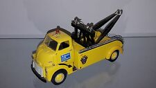 1/34 FIRST GEAR MONTGOMERY COUNTY 1952 GMC HEAVY DUTY WRECKER YELLOW 19-1158