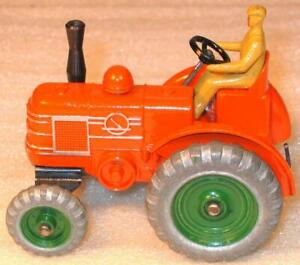DINKY TOYS No 27n/301.FIELD MARSHALL TRACTOR 1954-64. EXCELLENT UNBOXED