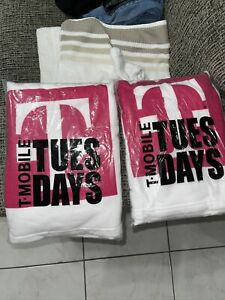 T-Mobile-Tuesday Magenta & White Towel  *2 PACK*