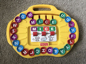 1997 Fisher Price ALPHA-GO-ROUND Alphabet Spelling Game Model #72489 - VGUC