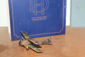 OXFORD DIECAST 1:72 DH82A TIGER MOTH - RAF HENDON 72TM001