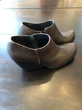 Kork Ease Women's 6.5M Brown Leather Ankle Booties Zip up Low Boot