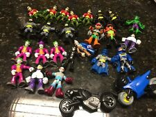 LOT 26 FISHER PRICE IMAGINEXT SUPER HERO FIGURES Batman DC