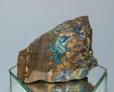 Naturbelassene Boulder Opal Stufe mit schimmernden Opal Adern  262 g - 8,1 cm