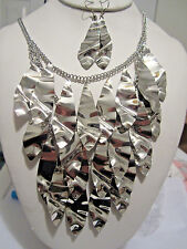 Three Layers Silver Tone Bended Drops Chunky Necklace Earring Set