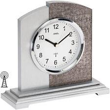 Analoge Tisch-, Kamin- & Reiseuhren aus Holz mit 12-Stunden-Anzeigeformat