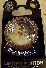 Disney Peter Pan & Tinker Bell Tink Snow Globe Spotlight Pin Le 1000 New