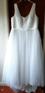 Read description please - Berketex ivory V-neck wedding dress Uk 24